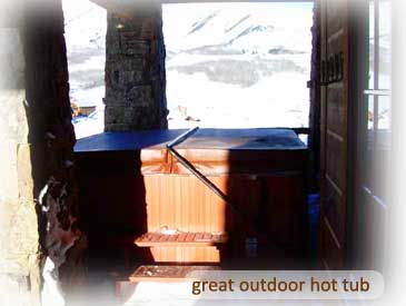 hot tub at bienasz home in crested butte